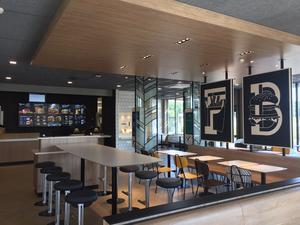 Foto: McDonalds. Bilden är ett exempel på interiören från en ny McDonaldsrestaurang.