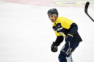 Nils Andersson tror att hans HV71 har ytterligare en nivå. En nivå som behövs om laget ska rubba Färjestad i kvartsfinalen.