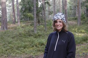 – Många kungsörare skulle ha glädje av ett vindskydd på Åsen. Det är ju ett så fint och populärt område, säger Eileen Larsson.