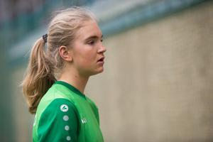 SaraLee Sandrud stod för en stark insats i Medelpads mål trots ett par insläppta bollar.