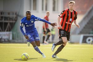 Peter Wilson och resten av GIF Sundsvall ska spela två träningsmatcher under VM-uppehållet.