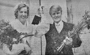 Marita Blom från Applehult i Hjälmseryd och Roland Johansson, från Södergården, Skepperstad, var årets tidningspristagare 1971.
