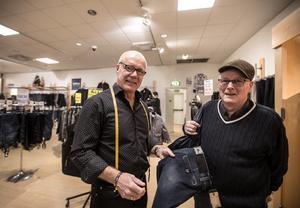 De sista jeansen köpta på Borås varuförmedling. Mats Eriksson och Stig Ove Stålnäbb.