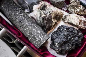 På Island gör en CO2-sug sten av koldioxid. Koldioxiden mineraliseras och blir till sten på bara några månader. Foto: Magnus Hjalmarson Neideman / SvD / TT.