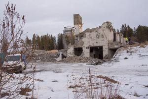 Byggnaderna på den gamla slakteritomten nedanför skidstadion rivs. Och dessutom ska kommunen nu köpa fastigheten Styckmästaren 2 för 25 miljoner kronor av Östersundshem.