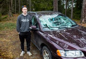 Den nyinköpta Volvon som Isak övningskörde var hans egen bil som skulle användas efter att körkortet var taget.