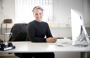"""Katja Järvelä startade sitt företag 2007. Hon var bara 24 år när hon anställde sin första städare. """"Det var jättejobbigt. Vem vill ha en 24-årig chef?""""."""