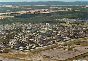 Flygbild över ett nybyggt Vivalla i början av 1970-talet. Foto: Hans Hellström/Örebro stadsarkiv