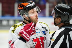 Alexander Hellström i Örebrotröjan. Foto: TT.