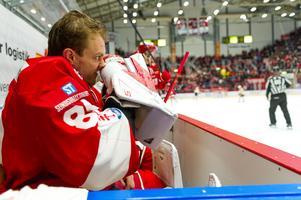 Niklas Svedberg byttes ut efter fjärde insläppta målet mot Skellefteå.