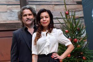 Erik Haag och Lotta Lundgren blev årets julvärdar i SVT under julafton.
