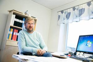 IFK Mora FK:s ordförande Mathias Jones tror att kommunen kan klara av att ha division 1-lag både på dam- och herrsidan i fotboll.