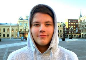 Denniz Lorge, 16 år, studerande, Skönsberg