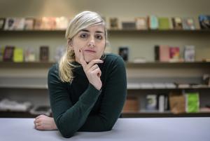 """Matilda Gustavsson avslöjade den så kallade kulturprofilen, som nu har dömts för en rad övergrepp på kvinnor.  Nu har hon skrivit boken """"Kubben"""" där hon beskriver vad som egentligen hände."""