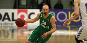 Martin Pahlmblad och hans Södertälje är en match från final i Basketligan.