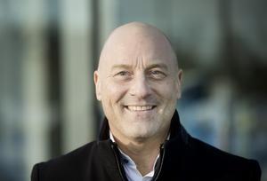 Johan Kempas, uppvuxen i Sundsvall, tillträdde i april 2018 tjänsten som sektorchef  på Bilmetro. Det innebär att han är ansvarig för personbilsverksamheten i Gävleborg med 220 anställda.