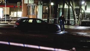 Skottlossning utanför en nattklubb på Slottsgatan i Norrköping kostade två män livet natten till i torsdags. Foto: Niklas Luks / TT / kod 11428
