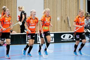 Jennifer Lindholm kvitterade för Rönnby i jakten på fortsatt spel i slutspelet.
