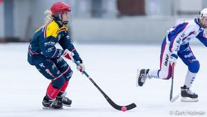 Wilda Ejderfalk har spelat i allsvenskan den här säsongen och var med när Surte/Kareby klarade kvalet till elitserien. Nu får den 14-åriga talangen en chans att sätta punkt med ett SM-guld.