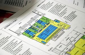 Ritningar och underlag för hur badhuset skulle kunna renoveras för 30 miljoner kronor finns redan på bordet.