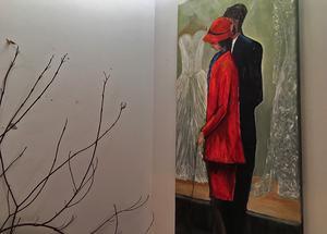 Röd dam hade en given plats i utställningen.