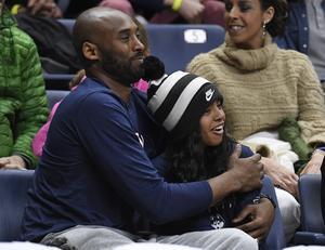 Kobe Bryant och hans dotter Gianna var två av de personer som omkom i helikopterolyckan den 26 januari. Foto: AP/TT