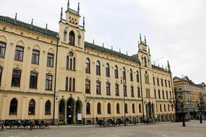 Kommunledningen är stolta över Örebro, Vad, exakt är de stolta över, undrar insändarskribenten?