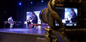 """Fouad Afram, Sara Afram och Abdo Mardini under inspelningen av """"Gherbe kerbe""""."""