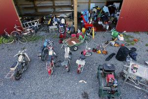 Polisen söker rättmätiga ägare till massor av gods. Verktyg, mopeder, sågar, vitvaror, ett dieselaggregat och mängder av andra saker tros höra hemma någon annanstans.–Hör av er till oss om ni känner igen något på bilden, säger närpolischefen Morgan Norman.