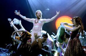 Fredrik Lycke i en av huvudrollerna när Stockholms stadsteater satte upp en 1970-talsmusikal 2011.