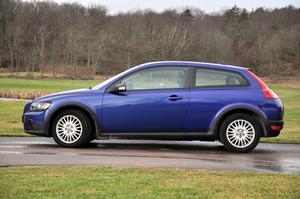12 000-milaservice för långkörda Volvo C30 är dyr. Cirka 15 000 kronor för diesel och 7 300 kronor för etanolmotorer.
