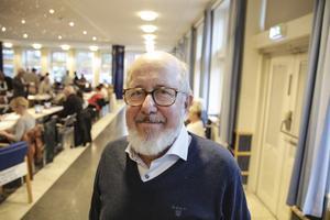 Mauritz Bropetters (C) och hans kolleger i förhandlingsutskottet vill prioritera tre yrkesgrupper i de kommande löneförhandlingarna.