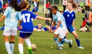 Spelar man inte fotboll så tittar man på fotboll.