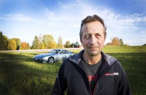 Per Pålsson har själv byggt om Porschen till A-traktor.
