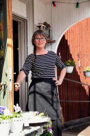 Katarina Jonsson, delägare av Jonssons fik och butik