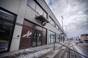Miljönämnden har beslutat att dra in alkoholtillståndet för restaurangen A Bar och Bistro vid Behrn arena.