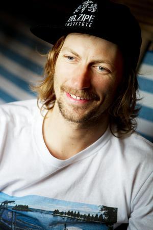 Simon Jaktlund, Surfbuktens grundare och initiativtagare till att