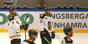 Hallstatränaren hyllar den 17-åriga matchhjälten Elias Sjölund.