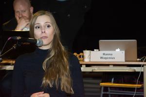 Hanna Wagenius (C) är ordförande i Östesrunds kommunfullmäktige och anser att beslutet som fattas är giltigt eftersom antalet ledamöter som röstade underskreds på grund av att flera hade anmält jäv.
