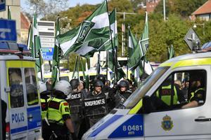 GÖTEBORG 20170930 Nordiska motståndsrörelsens (NMR) demonstration på lördagen. Sten Sturegatan, Heden.Foto Björn Larsson Rosvall / TT kod 9200