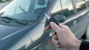 Biltjuvar har blivit bättre på att hacka signalen mellan nyckeln och bilen.