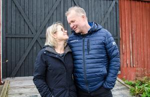 I december 2004 hittade Sofie och Micke sitt drömhus – en hälsingegård i Vivsta, Matfors.