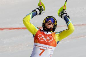 Slalomtävlingen i OS är Frida Hansdotters livs största tävling. OS-guldet är ett roligt minne men inte i topp, berättade hon i Sommar i P1. Hennes roligaste slalomminnen kommer från Klackbergsbacken i Norberg. Foto: AP Thoto/Michael Probst