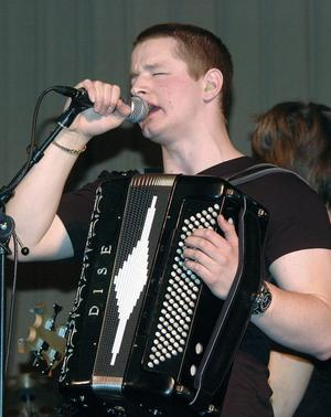 Mannen bakom rockoperan The age of the nature är den unge dragspelaren Johannes West från Alfta.