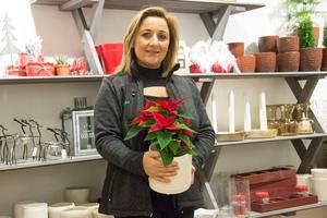 Yasameen Jagleen räknar med att utveckla sortimentet i butiken som inriktas på både blommor och heminredning.