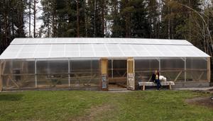 Växthuset är 90 kvadratmeter stort.