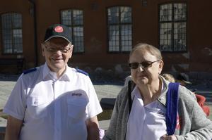 Sven Eriksson och Christina Brodin Johansson, från Frälsningsarmén.