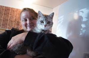 Jessica Erlangsens 19-åriga katt Russin var på strövtåg i fyra år – sedan kom hon hem söndagen den 19 augusti.