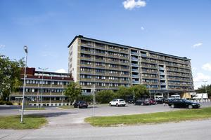 Sven Valerio skriver att han har svängt i frågan om Sollefteå sjukhus då han menar att en centraliserad vård inte löser arbetskraftsförsörjningen.