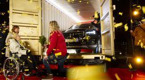 Birgit Johansson vann den splitternya bilen värd drygt 400 000 kronor.